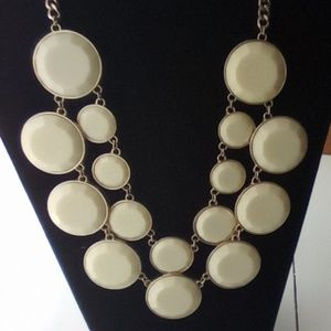 "20"" Big Statement Fashion Necklace. Ivory"